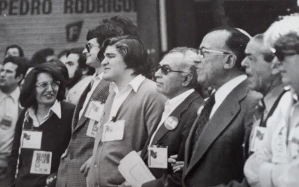 Madrid 1 de mayo. La cabecera de la manifestación del 1 de mayo el primer año que se pudo convocar legalmente (1977) - Sputnik Mundo