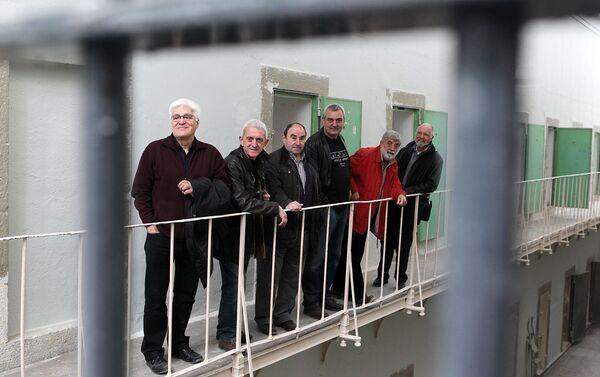 Visita a la cárcel de Segovia en 2011. Chato Galante y otros presos políticos que estuvieron en esa cárcel - Sputnik Mundo