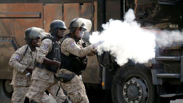 Fuerzas de seguridad haitianas, en medio de las protestas en las calles de Puerto Príncipe - Sputnik Mundo