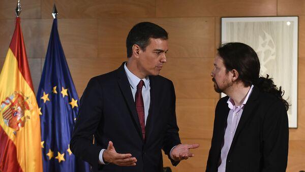 Pedro Sánchez, presidente del Gobierno de España y Pablo Iglesias, líder de la coalición izquierdista Unidas Podemos - Sputnik Mundo