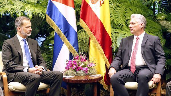 El presidente cubano, Miguel Díaz-Canel, y el rey de España, Felipe VI - Sputnik Mundo