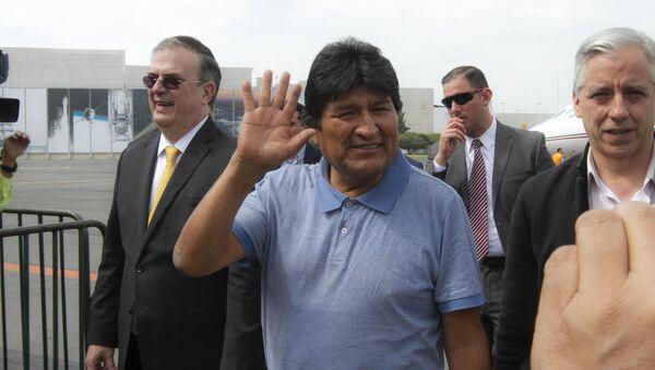 Evo Morales llega a México a recibir asilo tras su renuncia - Sputnik Mundo