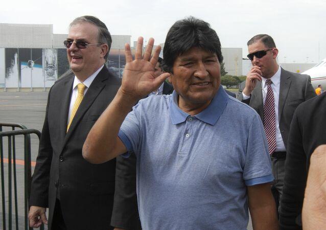 Evo Morales llega a México a recibir asilo tras su renuncia