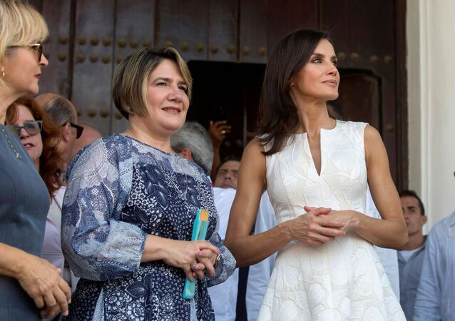 Reina Letizia y Liz Cuesta, esposa del presidente cubano