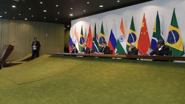 Líderes de los cinco países del grupo BRICS - Sputnik Mundo