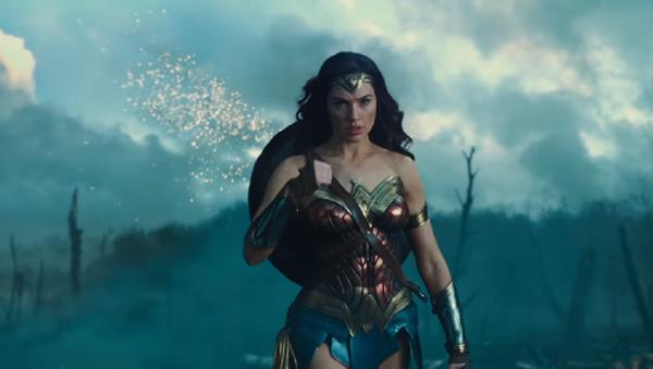 Wonder Woman, captura de pantalla - Sputnik Mundo