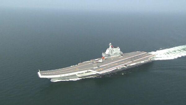 El portaviones chino Tipo 001A cruzó el estrecho de Taiwán sin ningún objetivo específico - Sputnik Mundo