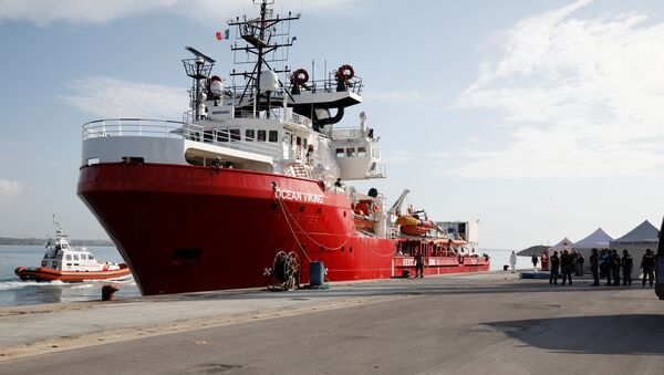El barco Ocean Viking  - Sputnik Mundo