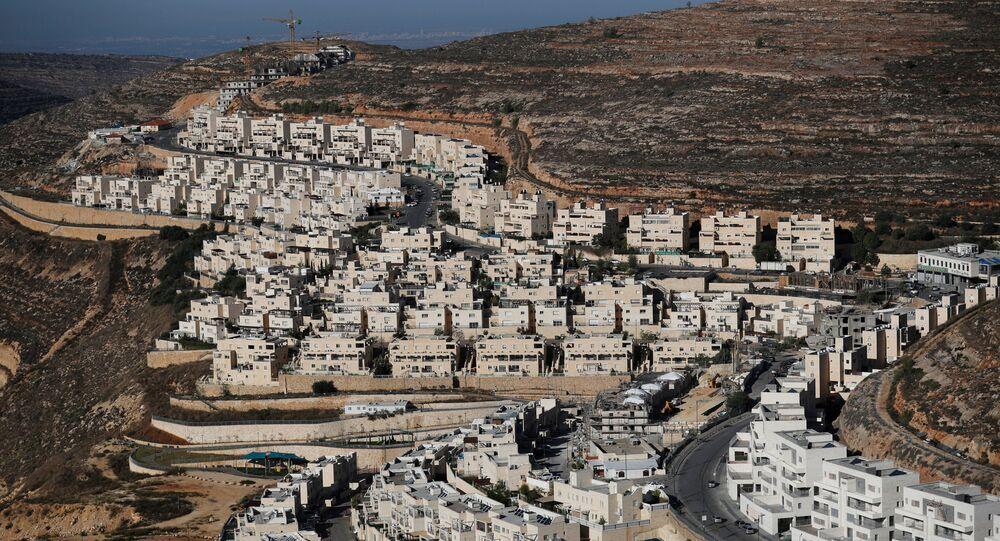 Construcción de viviendas en colonias judías en Palestina