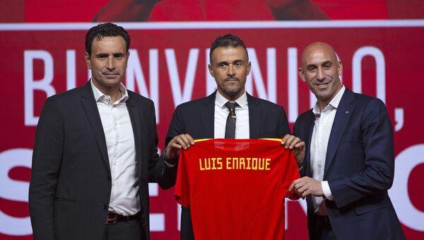 Luis Enrique en su presentación como el entrenador de la selección española (archivo) - Sputnik Mundo