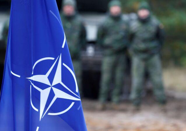 La bandera de la OTAN