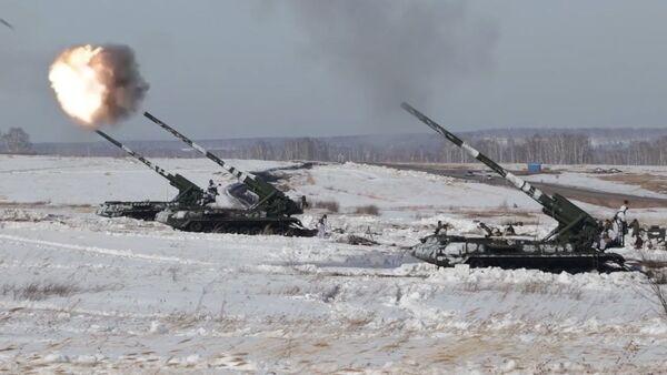 Artillería nuclear: muestran en acción el cañón autopropulsado ruso Malka - Sputnik Mundo