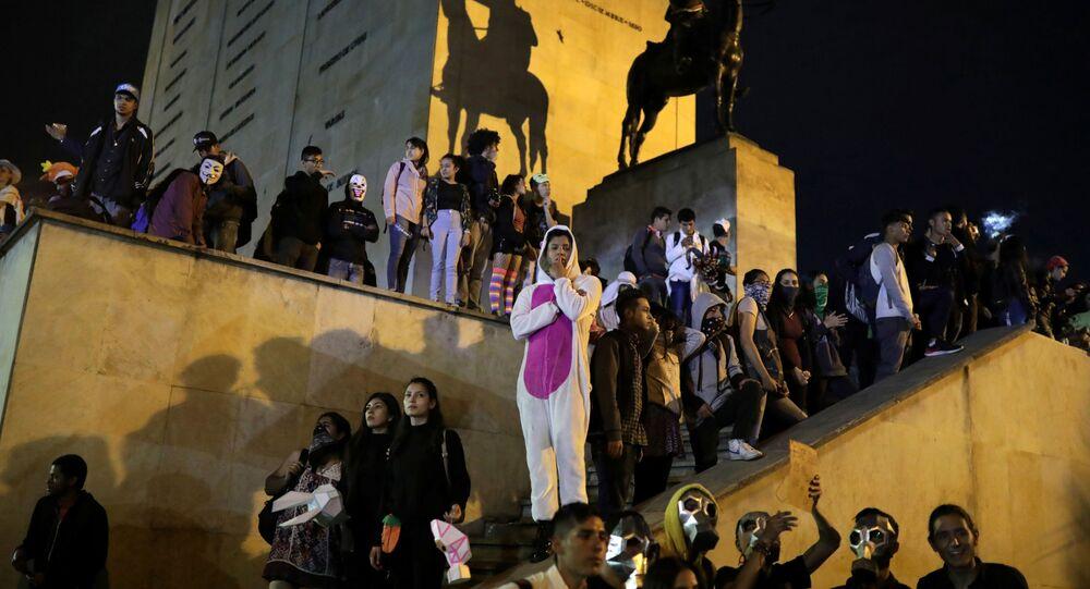 Estudiantes colombianos durante una movilización en Bogotá, Colombia