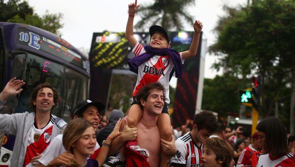 Hinchas de River Plate en Lima, Perú - Sputnik Mundo