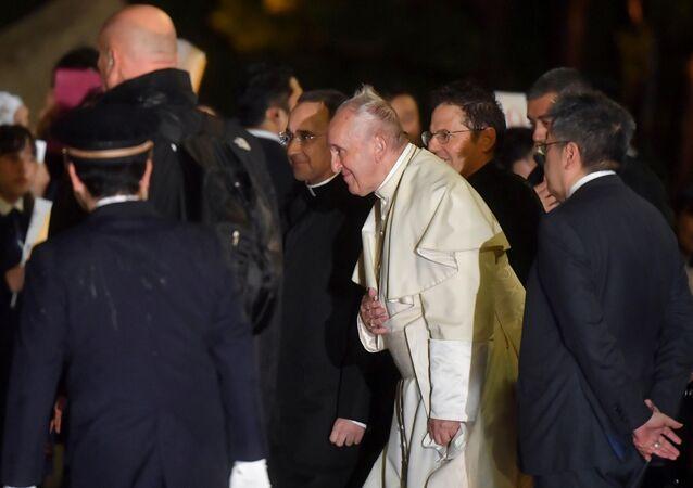 El papa Francisco aterriza en Tokio