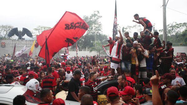Los hinchas del Flamengo celebran - Sputnik Mundo