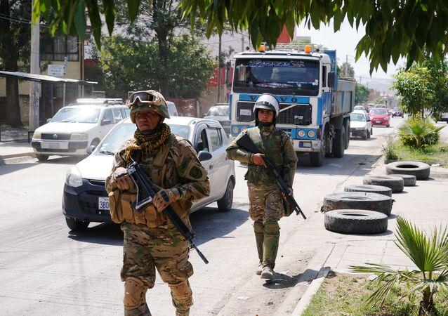 Militares en las calles de Bolivia