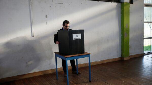 Segunda vuelta de las elecciones en Uruguay - Sputnik Mundo