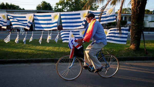 Banderas de Uruguay  - Sputnik Mundo