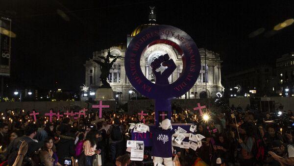 Ciudad de México conmemora con una velada a las víctimas de feminicidio - Sputnik Mundo