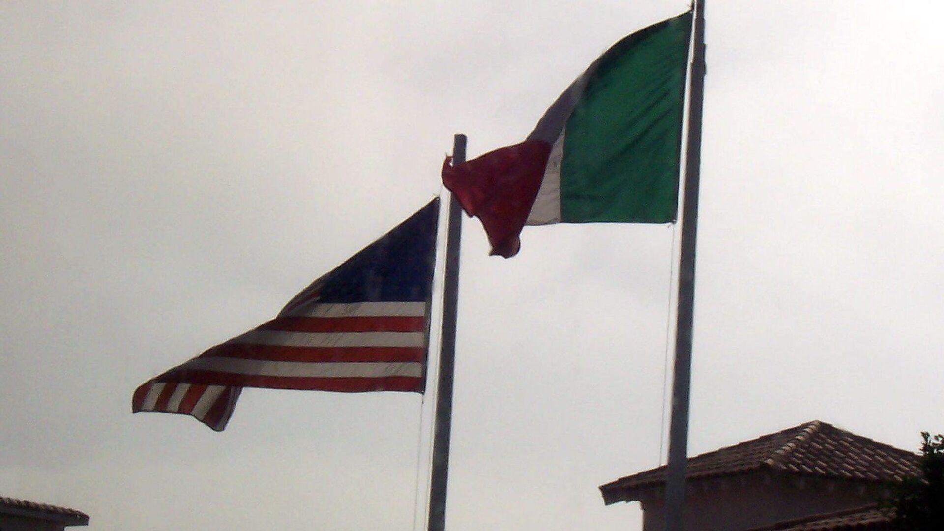 Banderas de EEUU y México - Sputnik Mundo, 1920, 01.03.2021