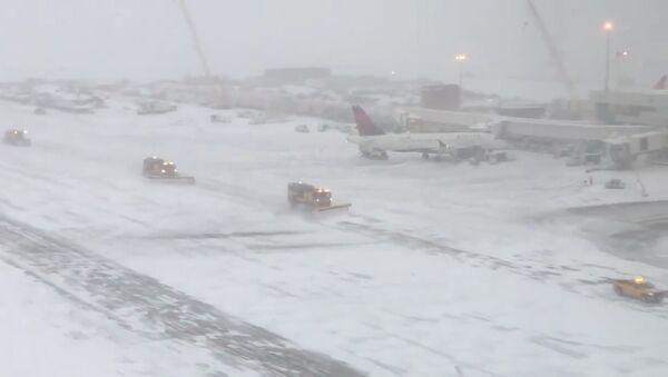 Fuerte nevada en Denver, EEUU - Sputnik Mundo