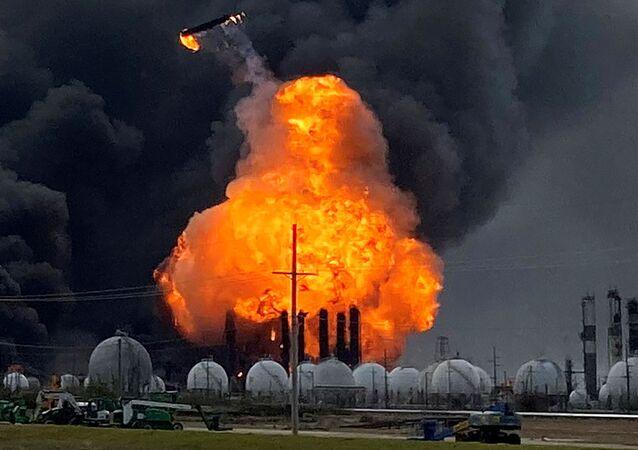Explosiones en la planta petroquímica de Port Neches, EEUU