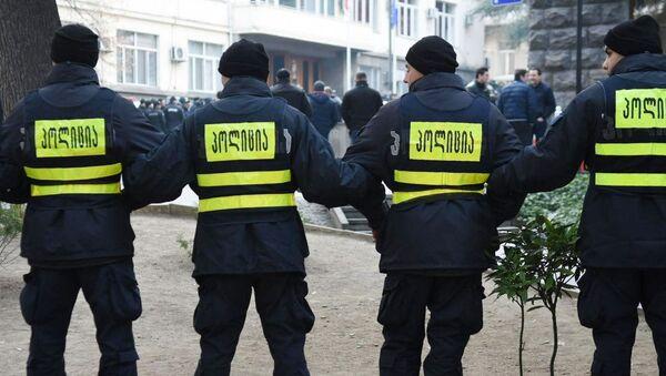 Policía durante las protestas en Tiflis - Sputnik Mundo
