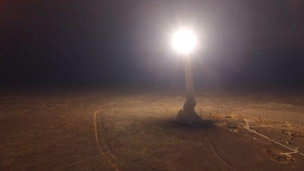 Así probó Rusia su misil intercontinental Topol - Sputnik Mundo