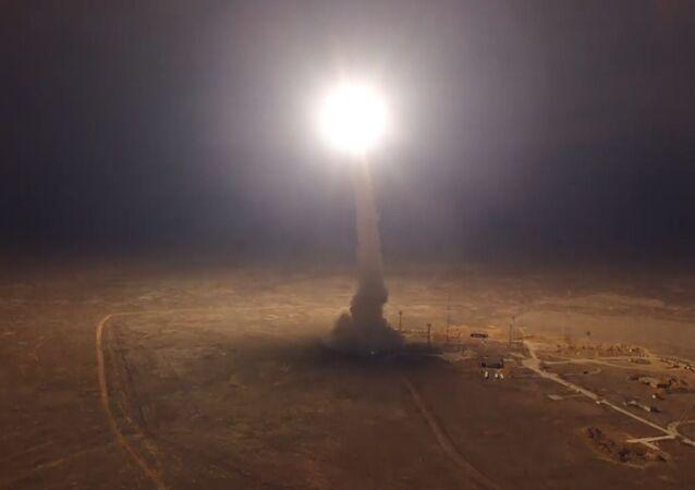 Así probó Rusia su misil intercontinental Topol