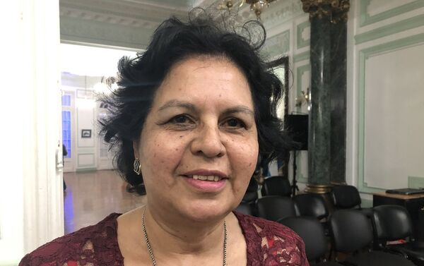 Ester Godoy estudió medicina en Rusia desde 1976 a 1983 - Sputnik Mundo