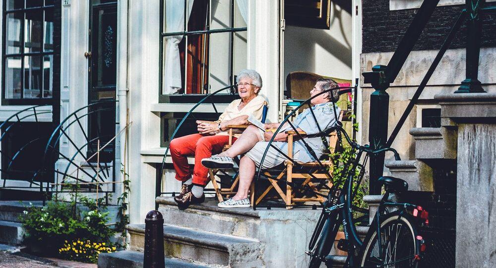 Dos ancianos (imagen referencial)