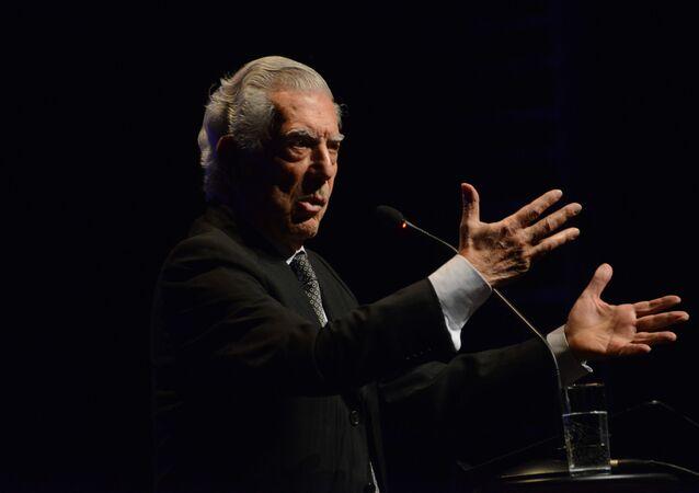 El escritor peruano Mario Vargas Llosa (archivo)
