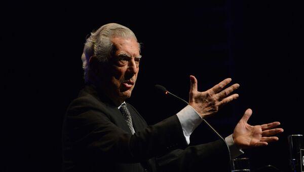 El escritor peruano Mario Vargas Llosa - Sputnik Mundo