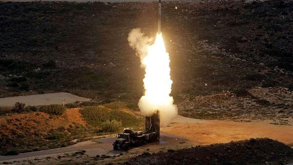 Grecia prueba el sistema de defensa S-300 en la isla de Creta - Sputnik Mundo