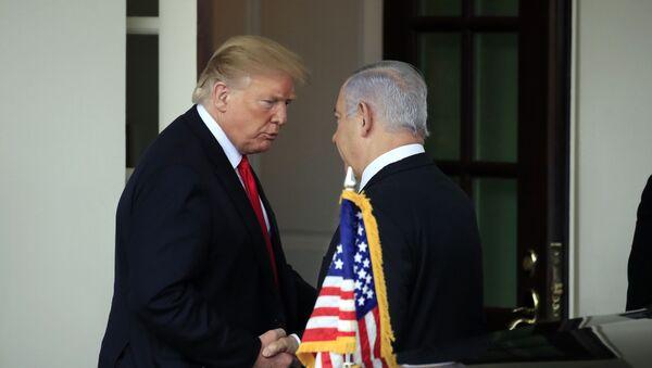 El presidente de Estados Unidos, Donald Trump, y el primer ministro de Israel, Benjamín Netanyahu - Sputnik Mundo