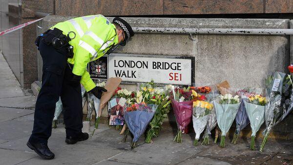 Lugar del atentado en el Puente de Londres en el Reino Unido - Sputnik Mundo