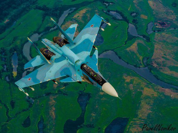 Российский двухместный многоцелевой истребитель поколения 4+ Су-30 - Sputnik Mundo