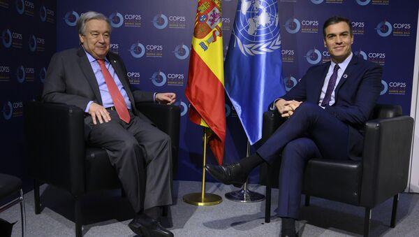 Antonio Guterres y Pedro Sánchez en la cumbre climática COP25 - Sputnik Mundo
