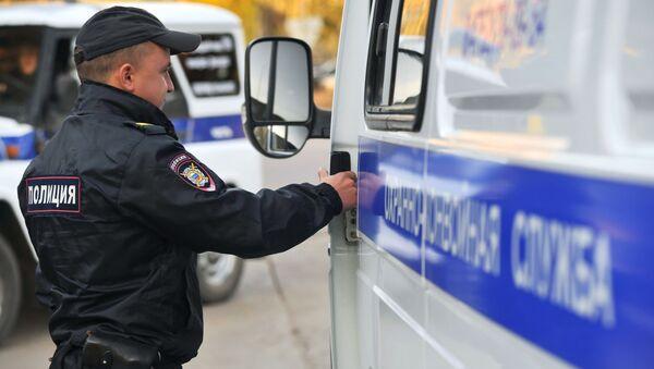 Un policía ruso - Sputnik Mundo