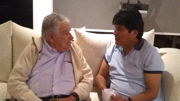 El expresidente boliviano Evo Morales y exmandatario uruguayo José 'Pepe' Mujica - Sputnik Mundo