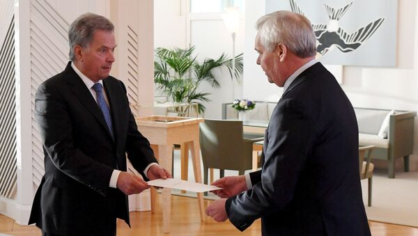 El presidente de Finlandia, Sauli Niinisto, con el primer ministro, Antti Rinne - Sputnik Mundo