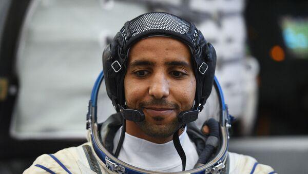 El primer astronauta de los Emiratos Árabes Unidos, Hazzaa Mansoori - Sputnik Mundo
