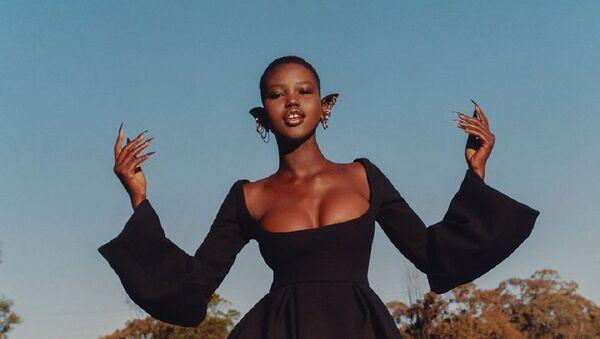 Adut Akech, modelo australiana - Sputnik Mundo