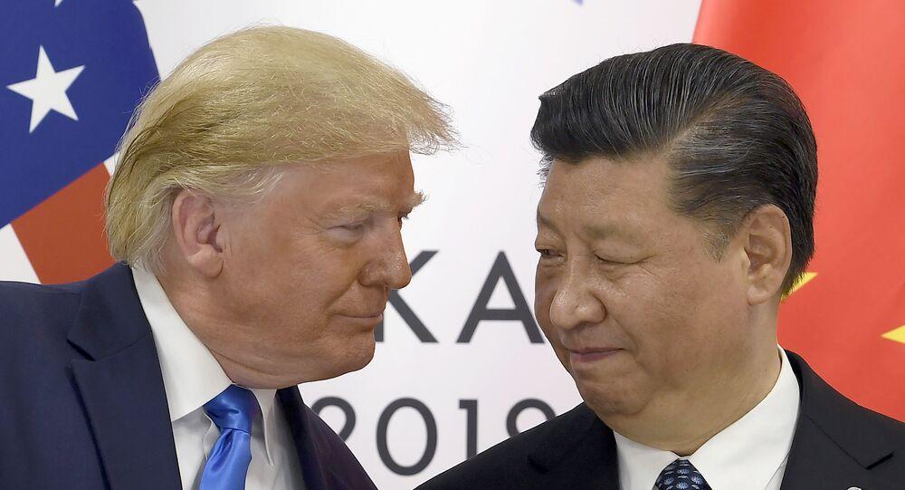 Donald Trump, presidente de EEUU, se reúne con su par chino, Xi Jinping, durante el G20