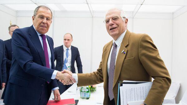 El ministro de Asuntos Exteriores de Rusia, Serguéi Lavrov, y el alto representante de la Unión Europea (UE) para Asuntos Exteriores y Política de Seguridad y vicepresidente de la Comisión Europea, Josep Borrell - Sputnik Mundo
