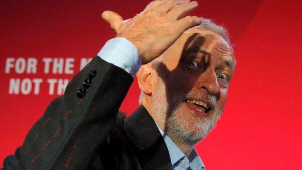 El líder laborista Jeremy Corbyn - Sputnik Mundo