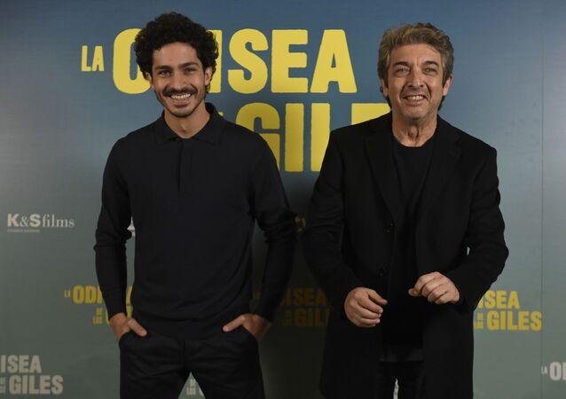 Chino Darín y Ricardo Darín, actores argentinos en el estreno del la película 'La odisea de los giles'