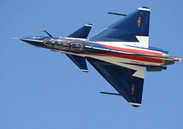 Un caza J-10 chino (archivo)
