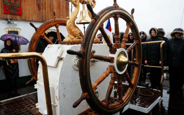 Timón del velero ruso Sedov - Sputnik Mundo